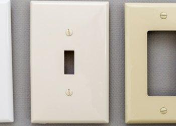 壁装式插座板